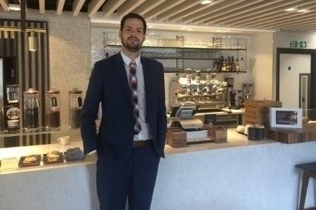 (10)MEET TOMAS VARO - OUR COFFEE ENTHUSIAST (450x300)